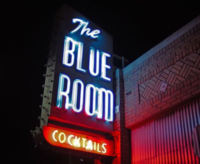 Blue-Room-neon