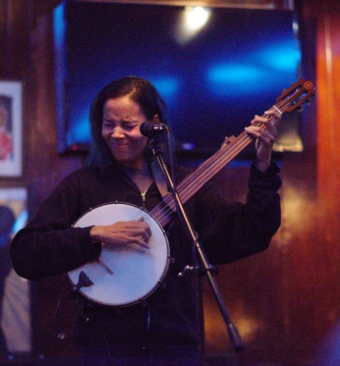 Rhi-banjo-