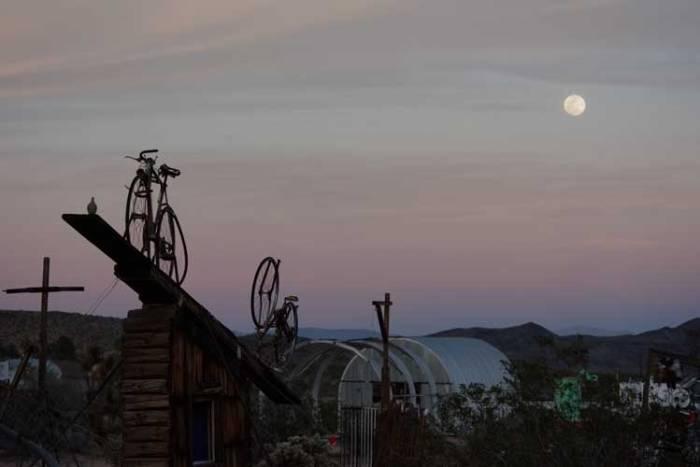 pur-bike-moon